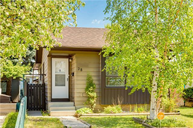 28 Erin Croft Place SE, Calgary, AB T2B 2V3 (#C4186760) :: Canmore & Banff