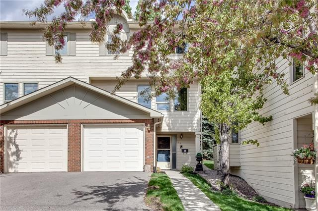 64 Woodacres Crescent SW #14, Calgary, AB T2W 4V6 (#C4186770) :: Redline Real Estate Group Inc