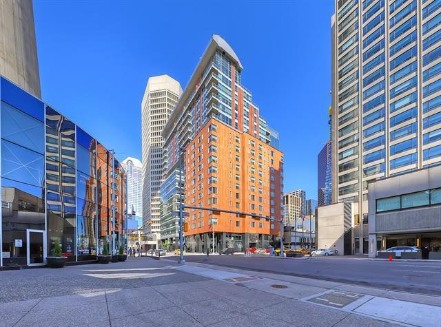 108 9 Avenue SW #1708, Calgary, AB  (#C4187094) :: Carolina Paredes - RealHomesCalgary.com