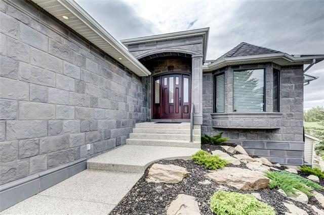 227 Lakeside Greens Court, Chestermere, AB T1X 1C8 (#C4187325) :: The Cliff Stevenson Group