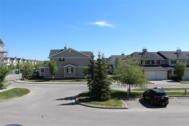 31 Country Village Manor NE #4211, Calgary, AB  (#C4187795) :: The Cliff Stevenson Group