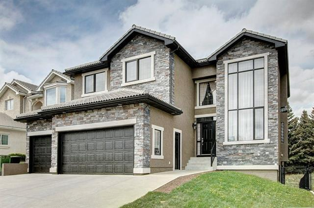 19 Hamptons Close NW, Calgary, AB T3A 6B6 (#C4187802) :: The Cliff Stevenson Group