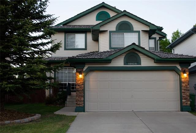 10828 Valley Springs Road NW, Calgary, AB T3B 5R2 (#C4187942) :: The Cliff Stevenson Group