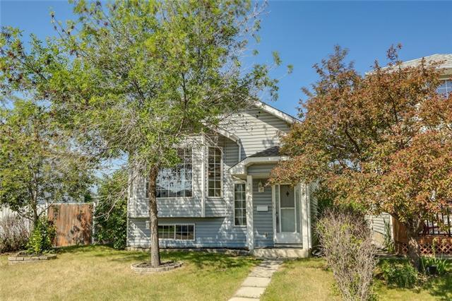 188 Erin Meadow Close SE, Calgary, AB T2B 3E6 (#C4188080) :: Your Calgary Real Estate