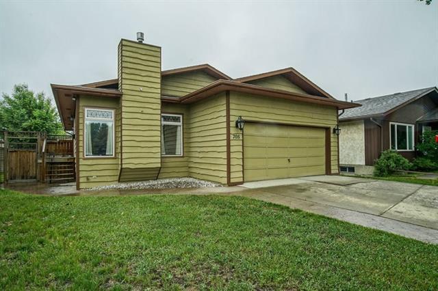 705 6 Street SE, High River, AB T1V 1K9 (#C4188119) :: Your Calgary Real Estate