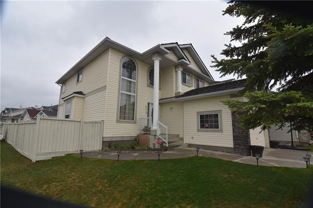 610 Coral Springs Boulevard NE, Calgary, AB T3J 3W7 (#C4188193) :: The Cliff Stevenson Group