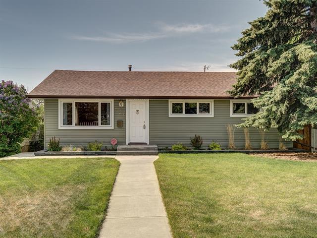 939 40 Avenue NW, Calgary, AB T2K 0E8 (#C4188239) :: Carolina Paredes - RealHomesCalgary.com