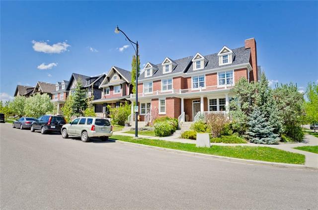 4 Tom Hoppe Mews SW, Calgary, AB T3E 7R1 (#C4188358) :: Your Calgary Real Estate