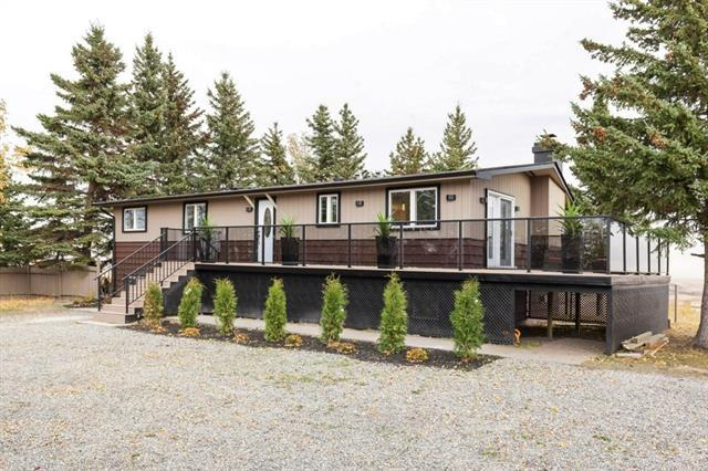 264038 Big Hill Springs Court, Rural Rocky View County, AB T4C 0E5 (#C4188374) :: The Cliff Stevenson Group