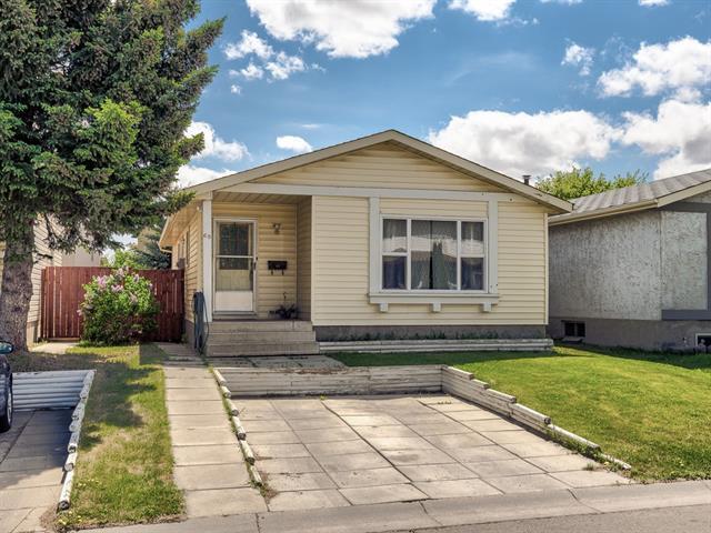 68 Abalone Crescent NE, Calgary, AB T2A 6X8 (#C4188466) :: The Cliff Stevenson Group