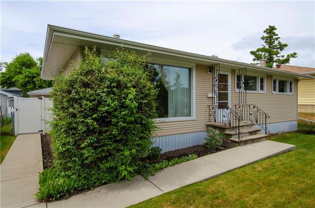2427 37 Street SW, Calgary, AB T3E 3A8 (#C4188515) :: Your Calgary Real Estate