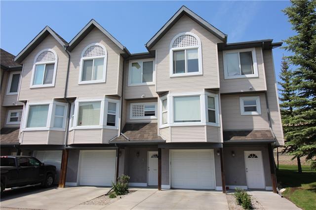 5 Sandarac Villa(S) NW, Calgary, AB T3K 5B4 (#C4188581) :: The Cliff Stevenson Group