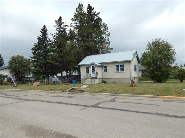 5703 50 Avenue, Innisfail, AB T4G 1R4 (#C4188700) :: Redline Real Estate Group Inc