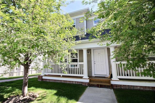 37 Country Village Gate NE, Calgary, AB T3K 0E7 (#C4188808) :: The Cliff Stevenson Group