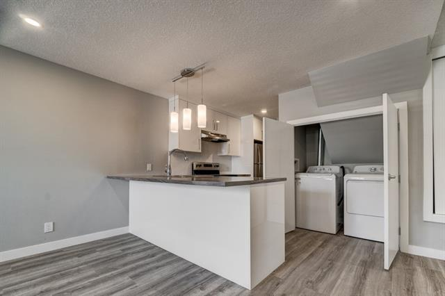 2617 17A Street SW, Calgary, AB T2T 4S7 (#C4188977) :: Canmore & Banff