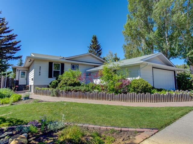 5743 Dalhousie Drive NW, Calgary, AB T3A 1T2 (#C4189276) :: The Cliff Stevenson Group