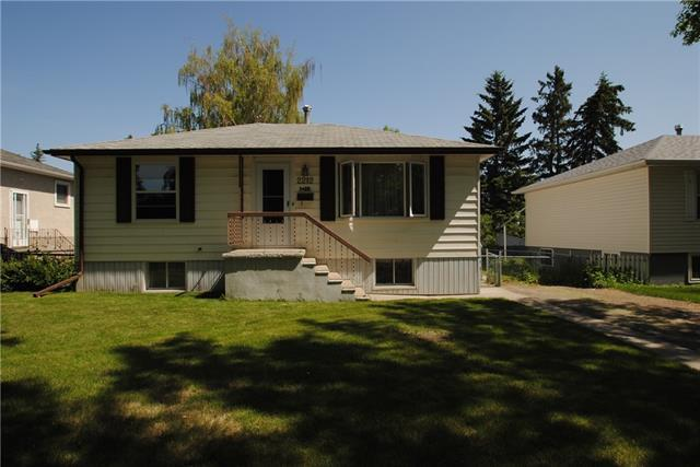 2212 Crestwood Road SE, Calgary, AB T2C 0C6 (#C4189789) :: Your Calgary Real Estate