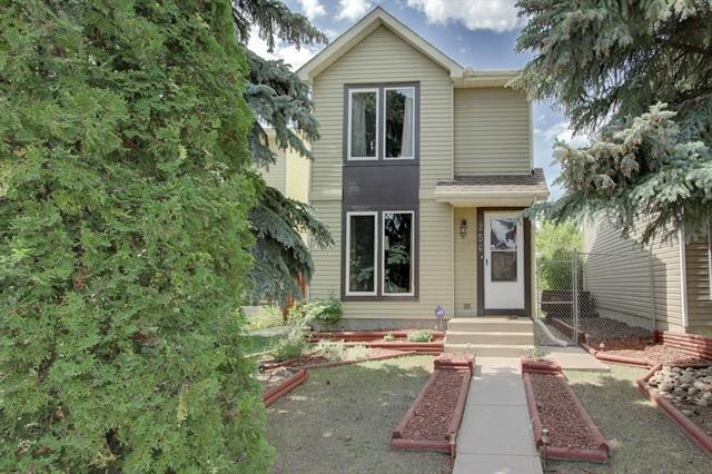 256 Erin Mount Place SE, Calgary, AB T2B 2R8 (#C4189910) :: The Cliff Stevenson Group