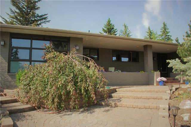 2420 Sandhurst Avenue SW, Calgary, AB  (#C4190055) :: The Cliff Stevenson Group