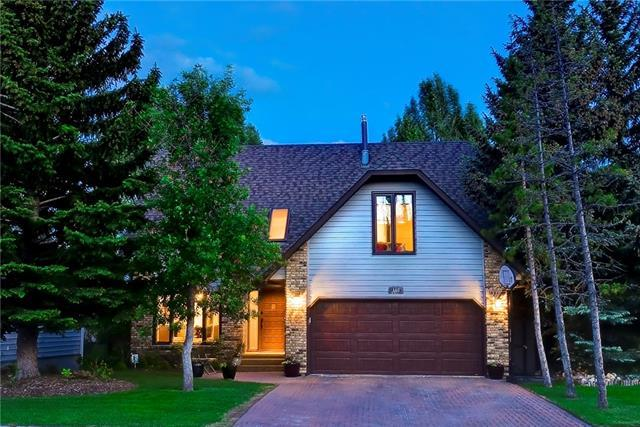 160 Strathbury Circle SW, Calgary, AB T3H 1P9 (#C4190168) :: Redline Real Estate Group Inc