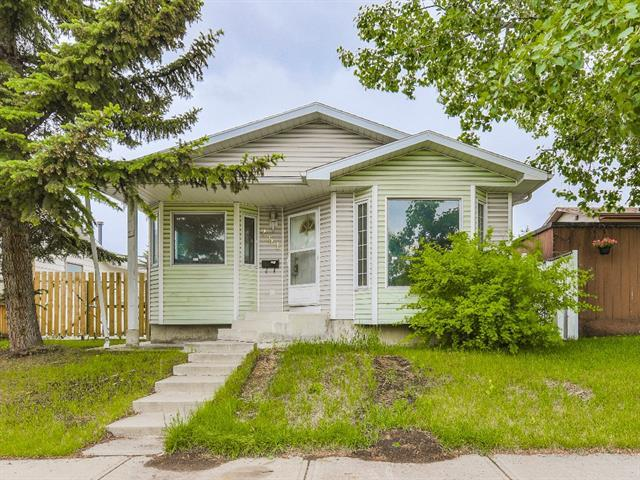 251 Erin Woods Drive SE, Calgary, AB T2Z 2V8 (#C4190308) :: Your Calgary Real Estate