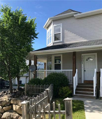 1201 Prairie Sound Drive NW, High River, AB T1V 1M3 (#C4190378) :: Your Calgary Real Estate