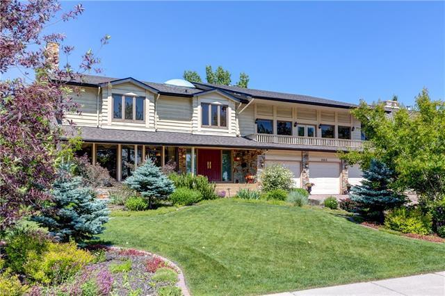 1063 Lake Placid Drive SE, Calgary, AB T2J 5A2 (#C4190379) :: Redline Real Estate Group Inc