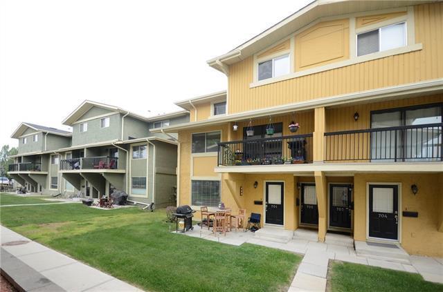 2200 Woodview Drive SW #701, Calgary, AB T2W 3N6 (#C4190441) :: The Cliff Stevenson Group