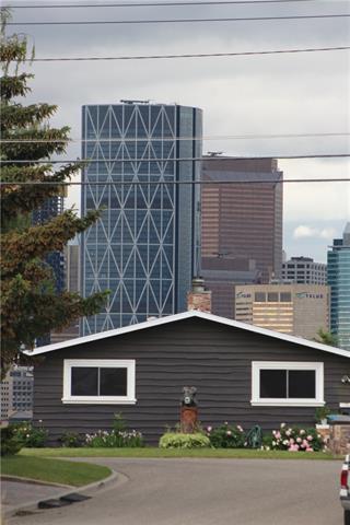 227 13 Street NE, Calgary, AB T2E 4R9 (#C4190553) :: The Cliff Stevenson Group