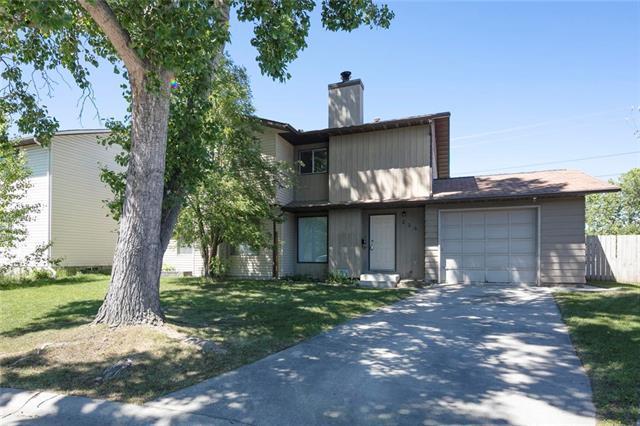 238 Woodside Circle SW, Calgary, AB T2W 3K4 (#C4190570) :: The Cliff Stevenson Group