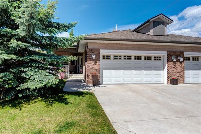 7 Straddock Villa(S) SW, Calgary, AB T3H 5C7 (#C4190681) :: Redline Real Estate Group Inc