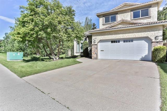 360 Strathcona Drive SW, Calgary, AB T3H 1N9 (#C4190861) :: Redline Real Estate Group Inc
