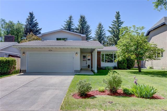 624 Woodpark Crescent SW, Calgary, AB T2W 2S2 (#C4191082) :: The Cliff Stevenson Group