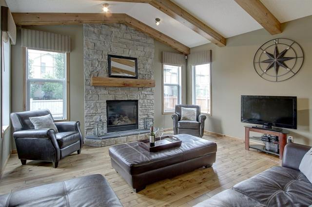 204 New Brighton Drive SE, Calgary, AB T2Z 0E4 (#C4191241) :: Your Calgary Real Estate