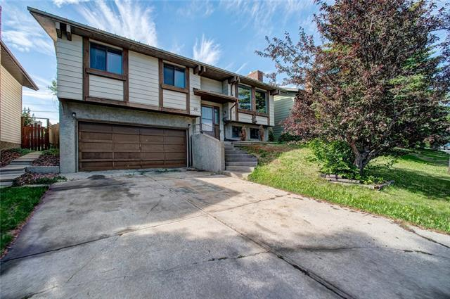 99 Beaconsfield Rise NW, Calgary, AB T3K 1X3 (#C4191452) :: Your Calgary Real Estate