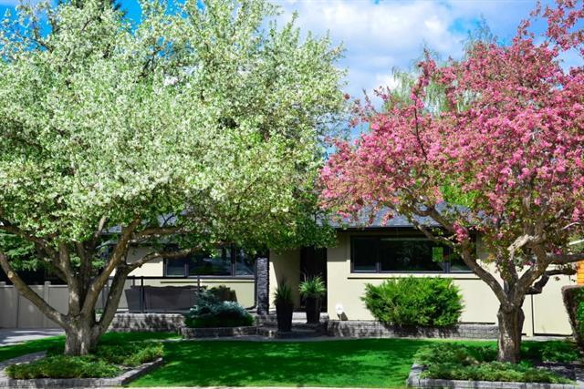 4 Meadowlark Crescent SW, Calgary, AB T2V 1Z1 (#C4191483) :: Tonkinson Real Estate Team