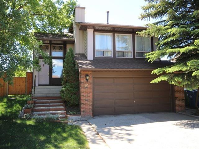 15 Bergen Crescent NW, Calgary, AB T3K 1J1 (#C4191547) :: Your Calgary Real Estate