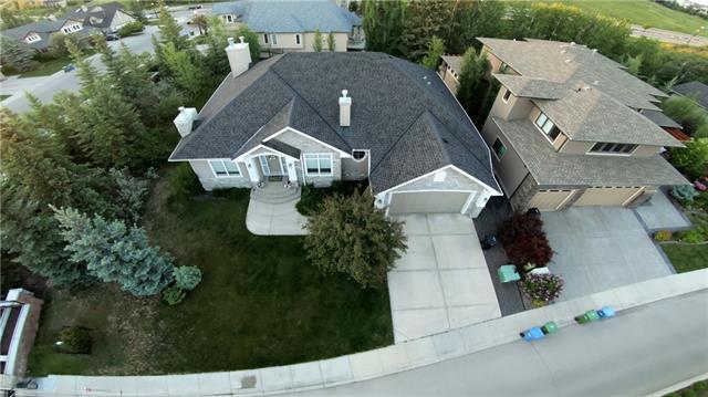 8 Discovery Valley Cove SW, Calgary, AB T3H 5H3 (#C4191724) :: Carolina Paredes - RealHomesCalgary.com