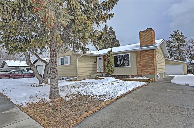 10008 Oakfield Drive SW, Calgary, AB T2V 4B4 (#C4191959) :: Carolina Paredes - RealHomesCalgary.com