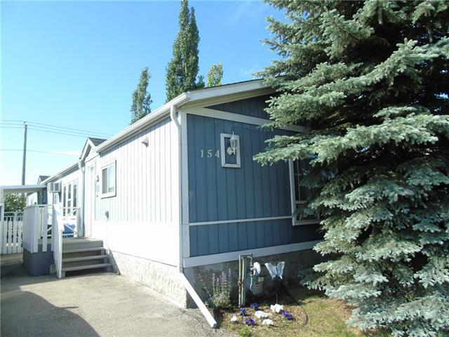154 Erin Woods Circle SE, Calgary, AB T2B 3E1 (#C4192002) :: Your Calgary Real Estate