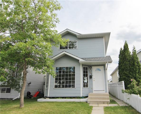 147 Erin Meadow Close SE, Calgary, AB T2B 3E6 (#C4192170) :: Your Calgary Real Estate