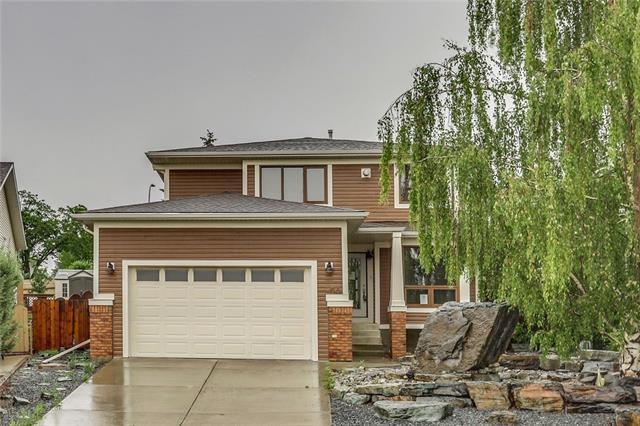 54 Deerfield Manor SE, Calgary, AB T2J 6Z4 (#C4192196) :: Canmore & Banff