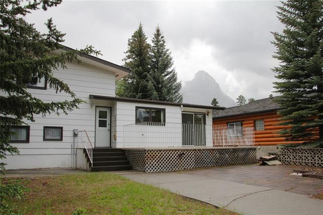 1010 14th Street, Canmore, AB T1W 1V5 (#C4192236) :: Carolina Paredes - RealHomesCalgary.com