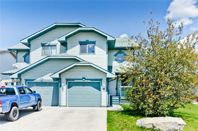 36 West Terrace Road, Cochrane, AB T4C 1S5 (#C4192297) :: Your Calgary Real Estate