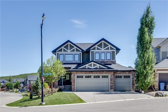 2 Crestridge Mews SW, Calgary, AB T3B 0M1 (#C4192467) :: Carolina Paredes - RealHomesCalgary.com