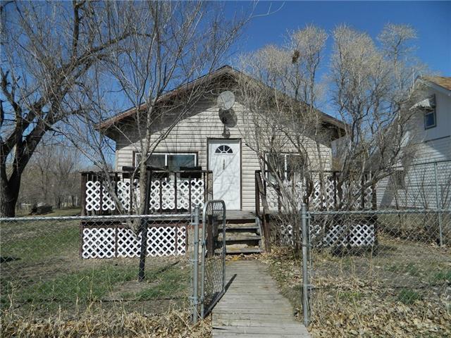 117 Railway Avenue, Drumheller, AB T0J 1B0 (#C4192740) :: Redline Real Estate Group Inc