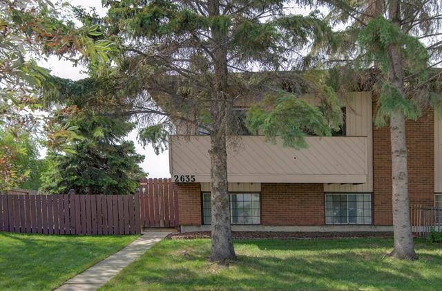 2635 Dover Ridge Drive SE, Calgary, AB T2B 2L2 (#C4192741) :: Tonkinson Real Estate Team