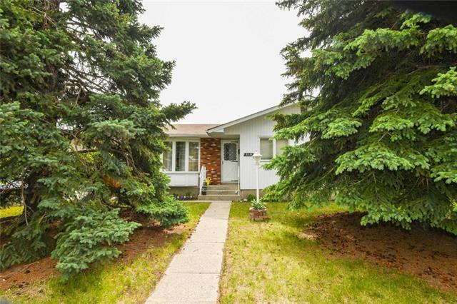 5238 Thomas Street NE, Calgary, AB T2K 3V6 (#C4192763) :: Calgary Homefinders