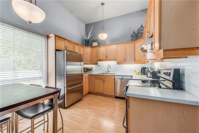 52 Brae Glen Court SW, Calgary, AB T2W 1B6 (#C4192908) :: Your Calgary Real Estate