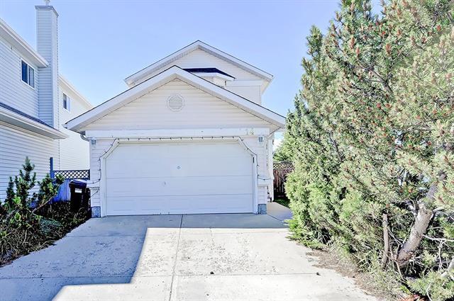 14 Saratoga Close NE, Calgary, AB T1Y 6Z9 (#C4192983) :: Carolina Paredes - RealHomesCalgary.com